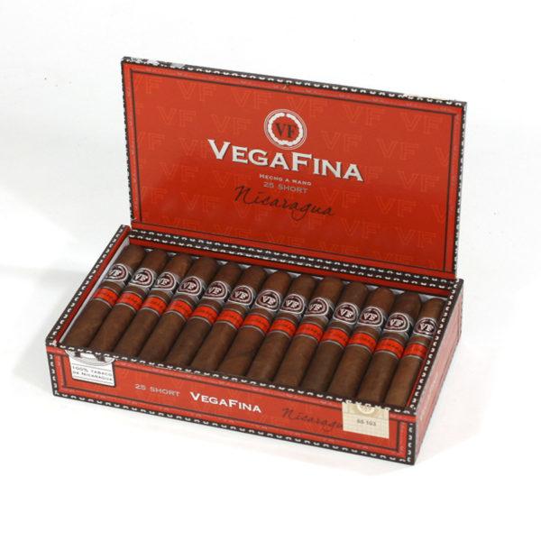 Vega Fina Nicaragua Short box